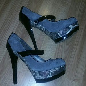 Jessica Simpson Shoes - Jessica Simpson gray Suede and snakeskin heels